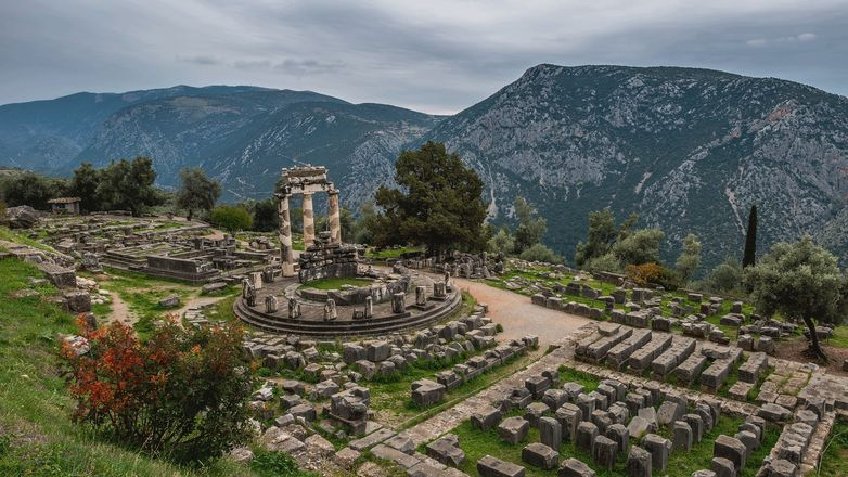 Delphi Majesty and Village Tradition gallery image 3