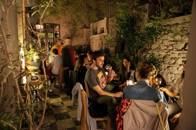 Athens Nightlife Tour gallery image 3