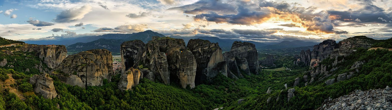 Delphi & Meteora Discovery Tour: Wonders of Mainland Greece gallery image 1