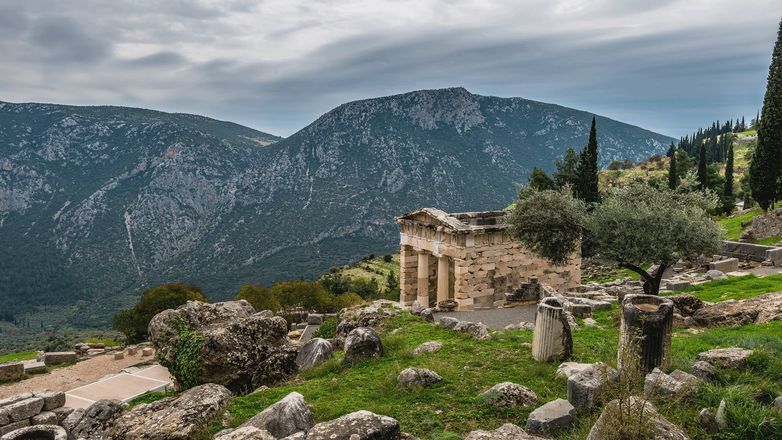 Delphi Majesty and Village Tradition gallery image 1