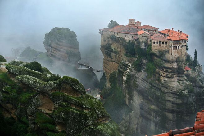 Wonders of Mainland Greece: Delphi & Meteora Tour gallery image 2